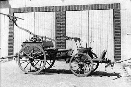 První stříkačka v Kunvaldě z roku 1889